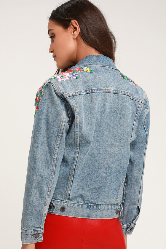 7ae84b1de4 Levi's Ex-Boyfriend Trucker - Light Wash Jacket - Floral Jacket