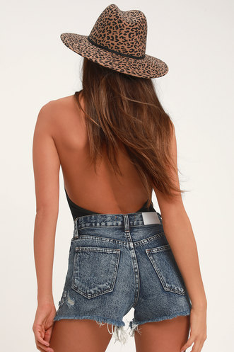 09105f185a High-Waisted Shorts, Jeans, Pants, and Skirts at Lulus.com