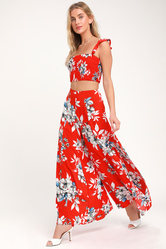 ab042dac6f7 Find Stylish Two-Piece Outfits for Women to Look Perfectly Put ...