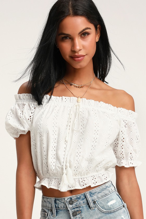 MADDISON CREAM EYELET LACE CROP TOP