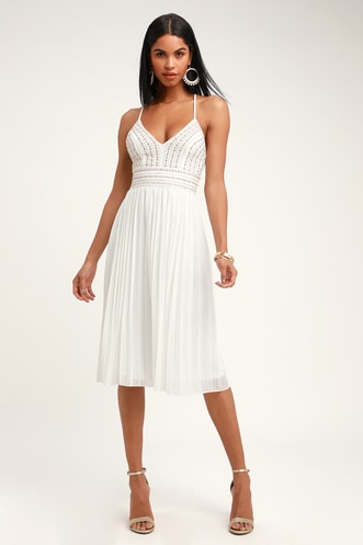 7181b6474e6 Pretty Wedding Shower Outfits for the Bride and Her Besties
