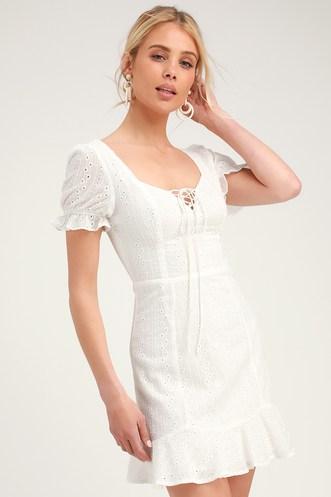 c61e3681e5 Find Cute Honeymoon Outfits for Newlyweds   Beautiful Honeymoon ...