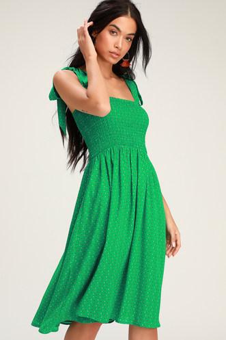 d73f30891e0e Day in the Sun Green Print Smocked Midi Dress