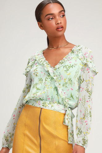 832f9c925911ca Bambi Mint Floral Print Cropped Wrap Top