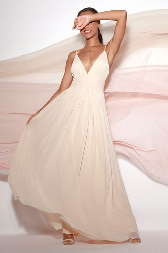 e4bc6392621 Queen of the Evening Cream Maxi Dress