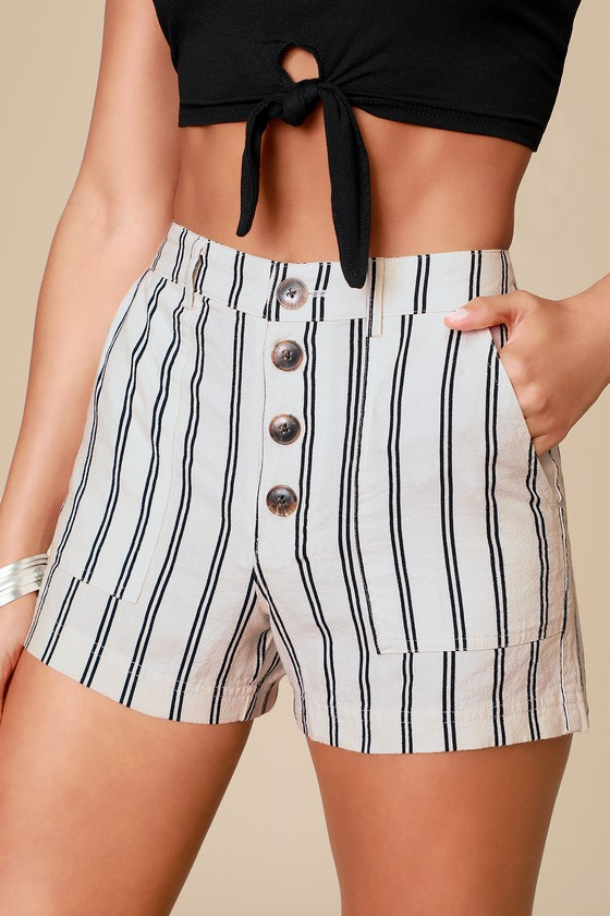 Morrison Cream Striped Shorts = Trendy Casual Outfit