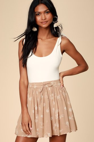 10b84cec2e80 Find Stylish Two-Piece Outfits for Women to Look Perfectly Put ...