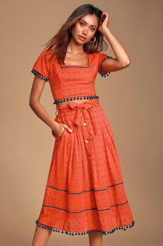 38688efda7d5 Find Stylish Two-Piece Outfits for Women to Look Perfectly Put ...