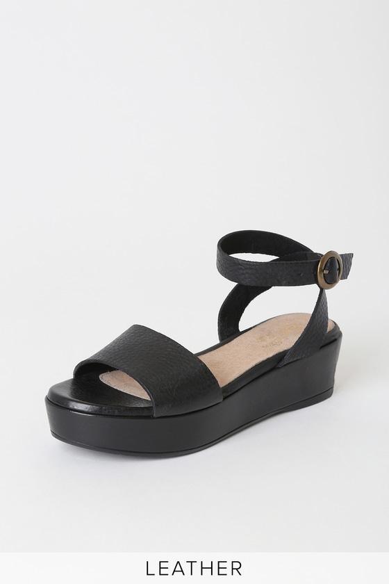 Seychelles Monogram Sandals - Black