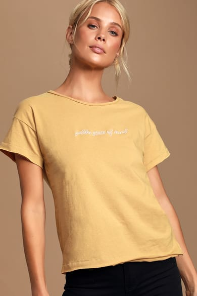 Chic Yellow Clothing: Find On-Trend Yellow Dresses for Women