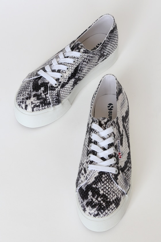 2790 PUFANW Black and White Snake Platform Sneakers