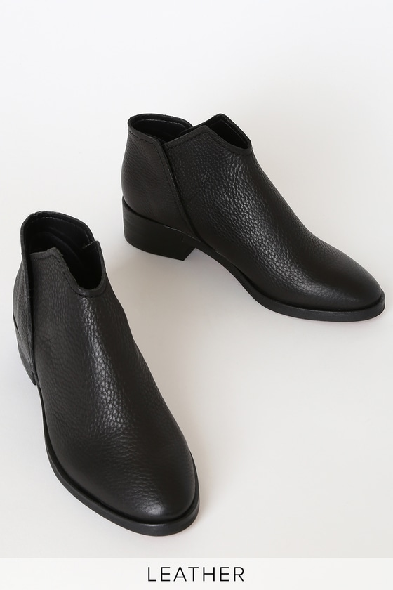 Trist Black Leather Ankle Booties