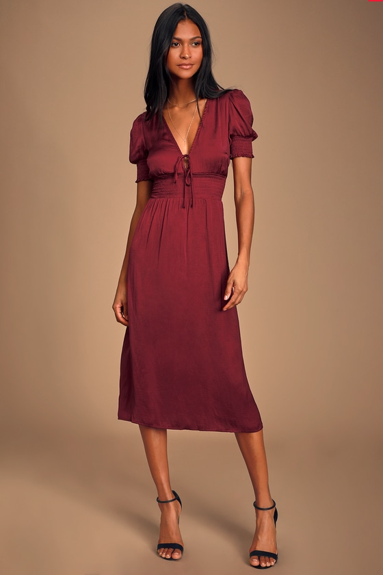 LILLE WINE RED SATIN SMOCKED SHORT SLEEVE MIDI DRESS - CLASSY FALL OUTFIT