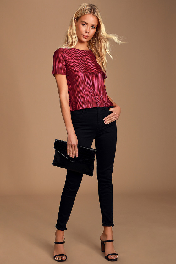 ALBRIGHT WINE RED SATIN PLEATED SHORT SLEEVE TOP - CASUAL FALL OUTFIT
