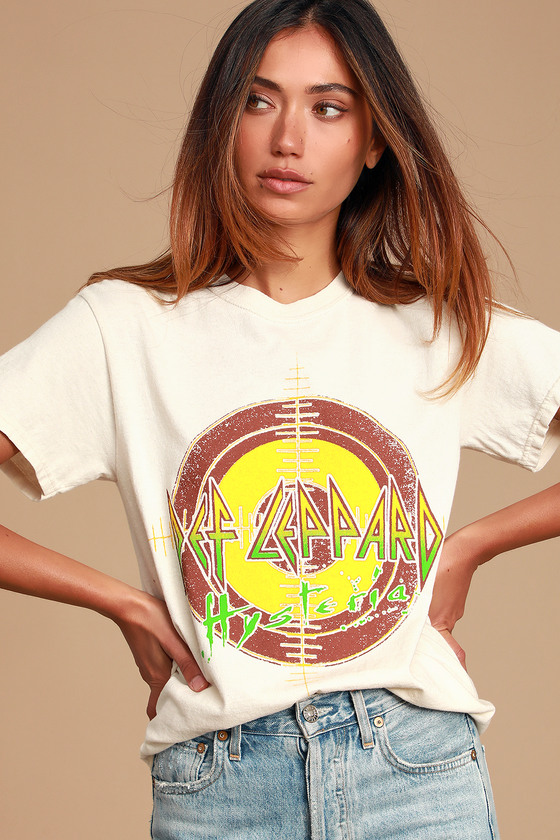 Def Leppard Hysteria Beige Graphic Tee - Vintage Tshirt Outfit