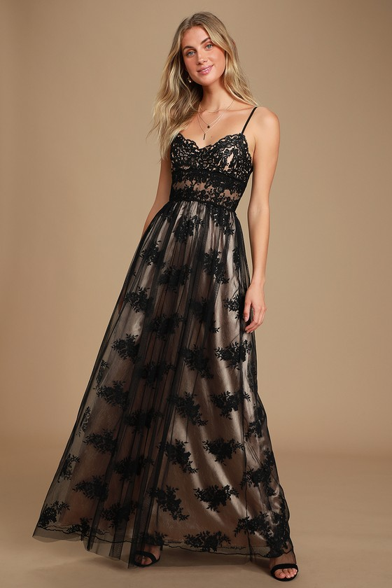 Utter Elegance Black Embroidered Lace Maxi Dress