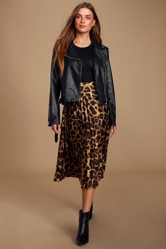 Tasteful Living Leopard Print Satin Pleated Midi Skirt