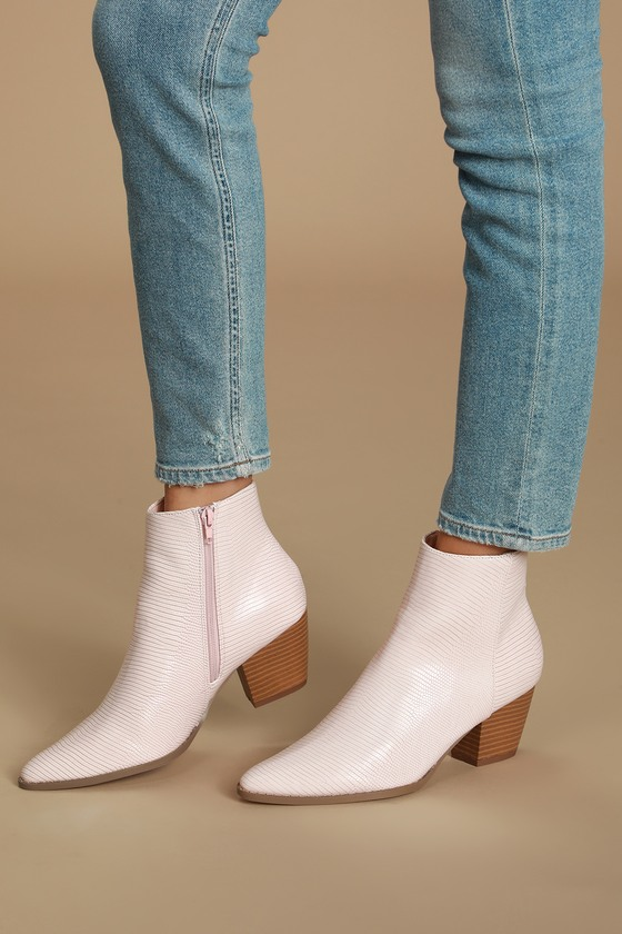 Pair the Lulus x Matisse Spirit Blush Snake Pointed Toe Ankle Booties with some skinny jeans for a killer look! Trendy snake-embossed vegan leather shapes a pointed toe upper that carries into an ankle-high shaft. 6\\\
