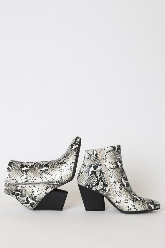 Hanston Ice White Snake Print Pointed-Toe Ankle High Heel Boots
