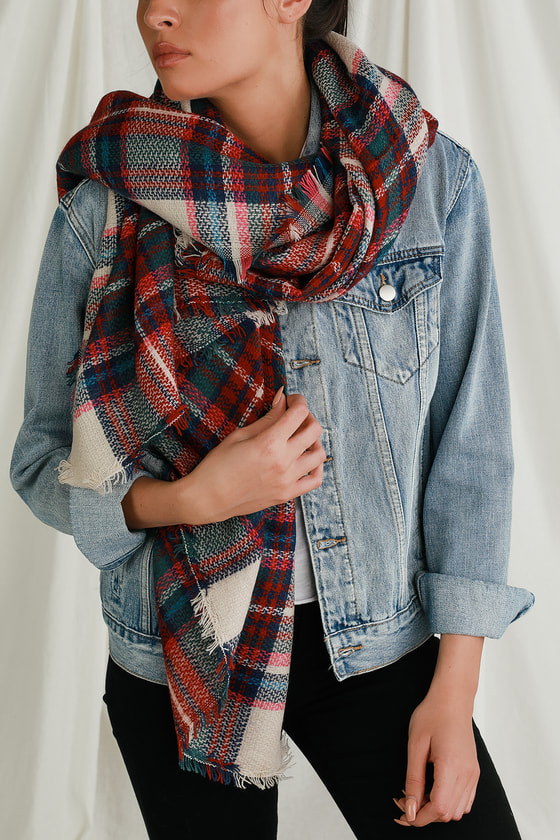 Take your look up a notch with the Lulus Genni Multi Plaid Oversized Scarf! Soft knit forms this cute scarf that boasts a plaid pattern in shades of red, green, beige, blue, and pink. You\'ll be warm and cozy on the chilliest of days thanks to an oversized design, finished with matching fringe at the ends. 55\