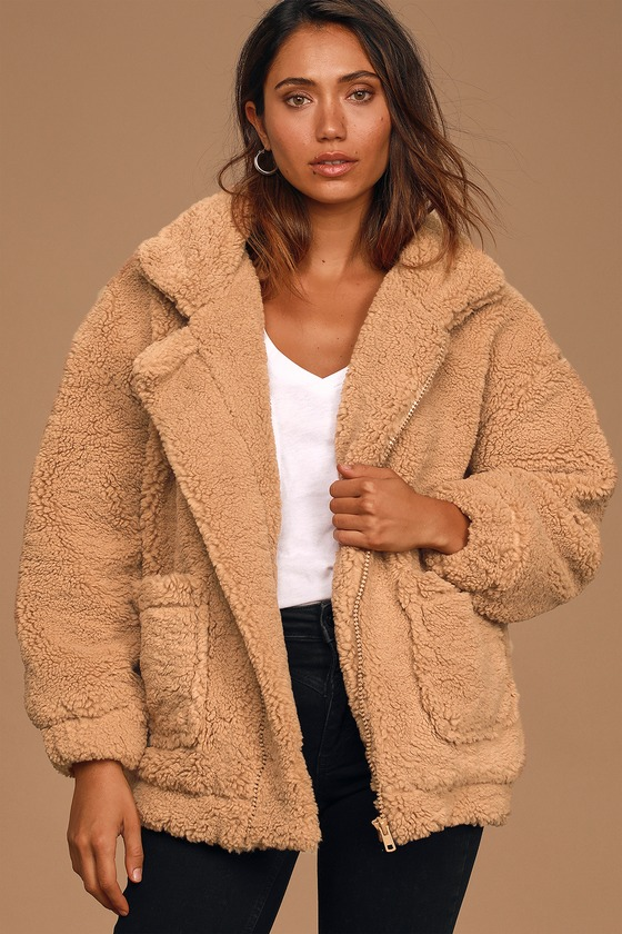 Be ready to take on the day in sweet style with the Lulus Came To Cuddle Tan Oversized Teddy Jacket! Medium-weight faux Sherpa shapes this darling teddy woven jacket with a classic collared neckline and wide long sleeves with drop shoulders and elasticized cuffs. The oversized, zip-front silhouette features twin front patch pockets perfect for keeping your hands toasty on a chilly day! Fit: This garment fits true to size. Length: Size small measures 26.5\