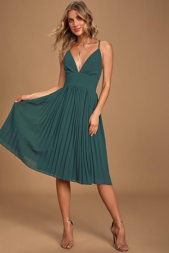 Love Me To The Moon Emerald Green Pleated Midi Dress