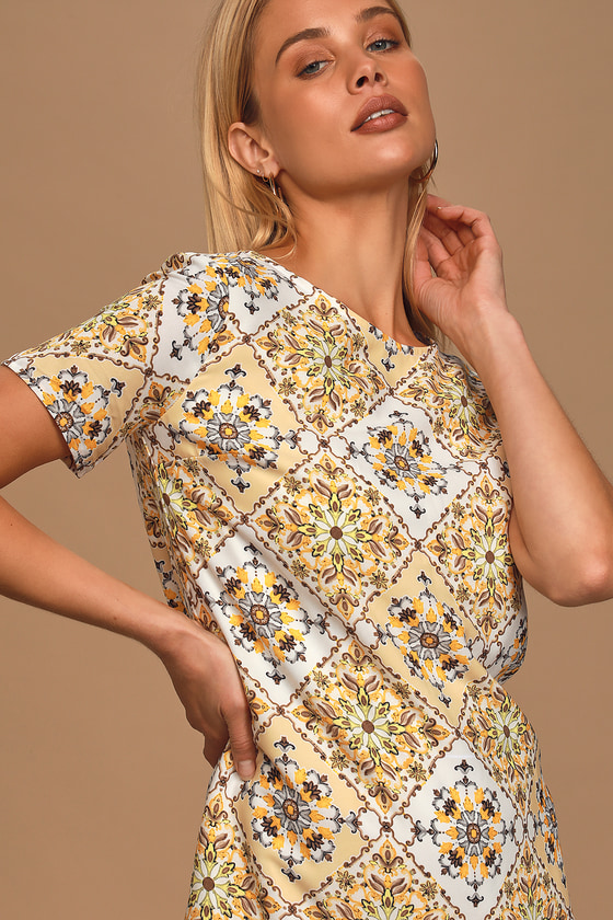 50 Vintage Inspired Clothing Brands & Stores Dandy Lion Yellow Print Shift Dress - Lulus $54.00 AT vintagedancer.com