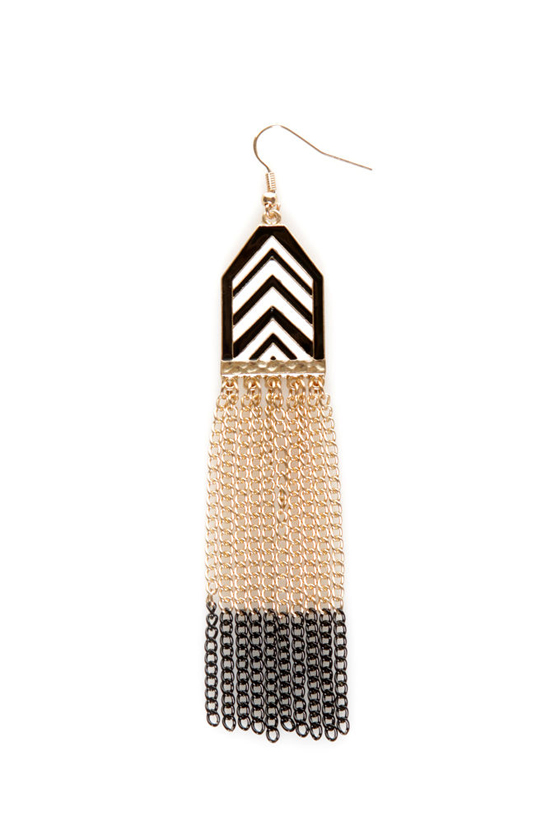 Chevron-way Ready Black and White Dangle Earrings at Lulus.com!