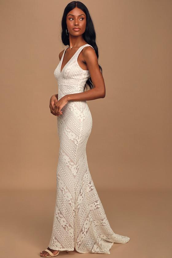 Alianna White Lace Mermaid Maxi Dress