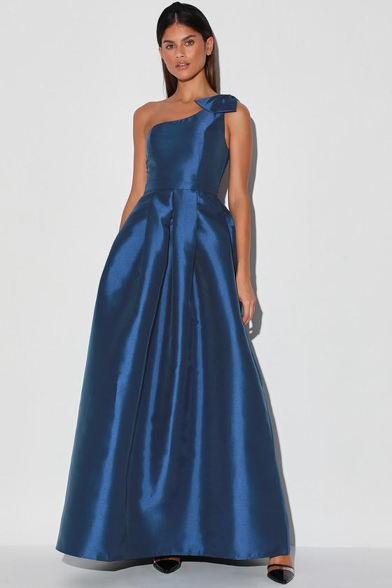 Luxurious Evening Navy Blue One-Shoulder Maxi Dress
