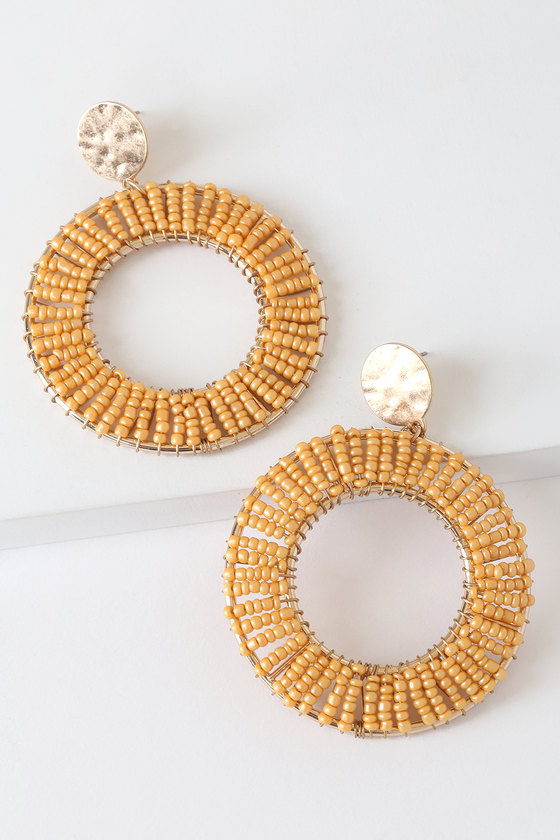 Vintage Style Jewelry, Retro Jewelry Need for Beads Gold and Peach Beaded Circle Earrings - Lulus $15.00 AT vintagedancer.com