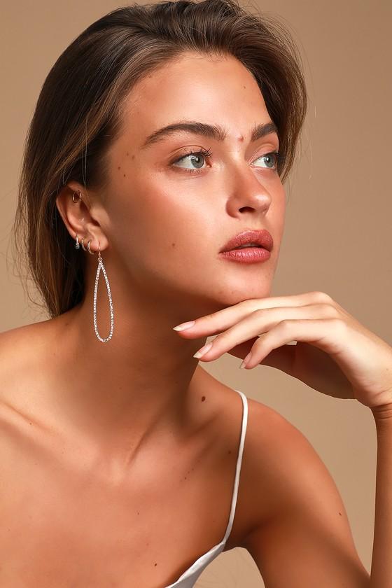 Vintage Style Jewelry, Retro Jewelry Teardrop the Beat Gold Rhinestone Earrings - Lulus $15.00 AT vintagedancer.com