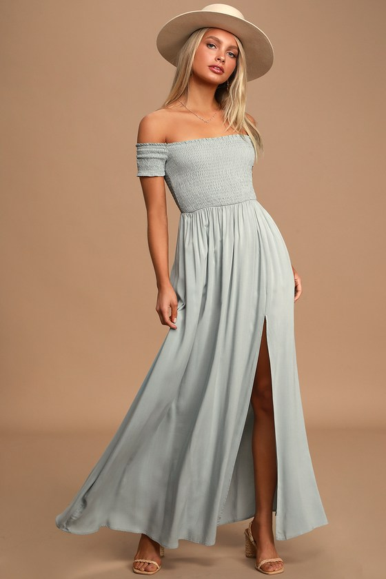 what to wear for maternity photos - long maxi beachy maternity dress