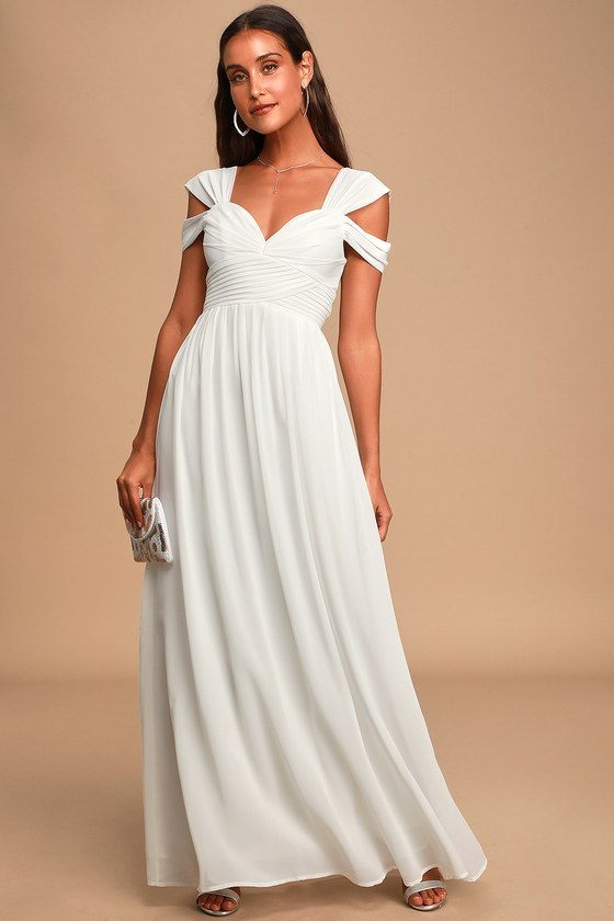 white elopement microwedding dress engagement photo white dress romantic white dress