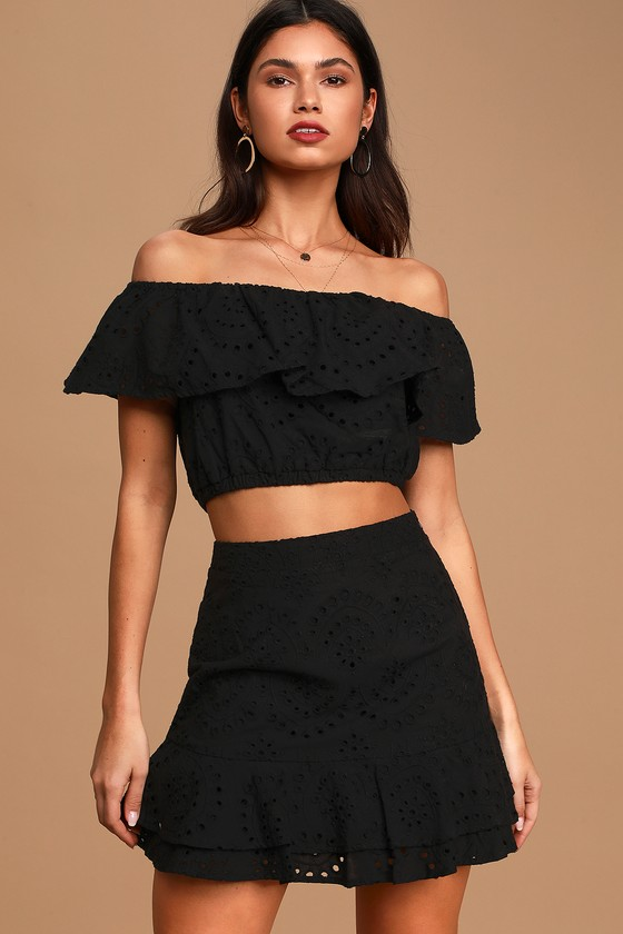 Playa de Isla Black Eyelet Lace Ruffled Mini Skirt