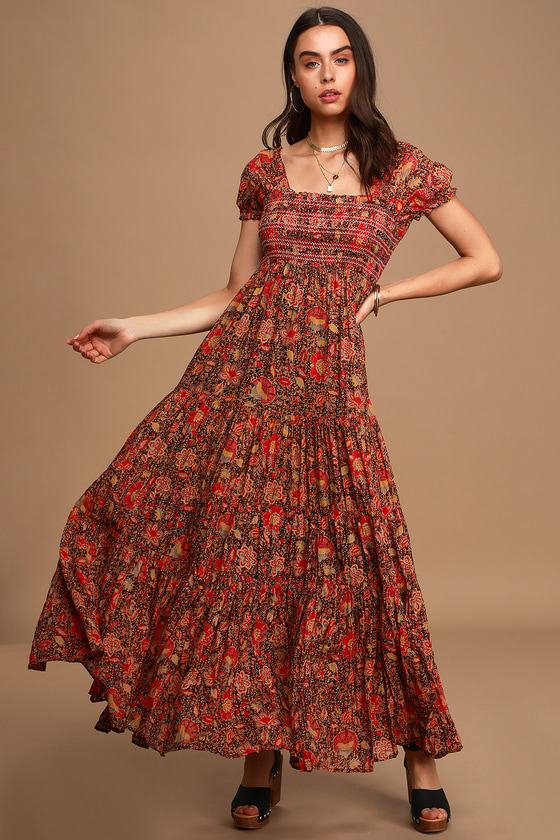 70s Dresses – Disco Dress, Hippie Dress, Wrap Dress Getaway Red Floral Print Pleated Tiered Maxi Dress  Lulus $168.00 AT vintagedancer.com