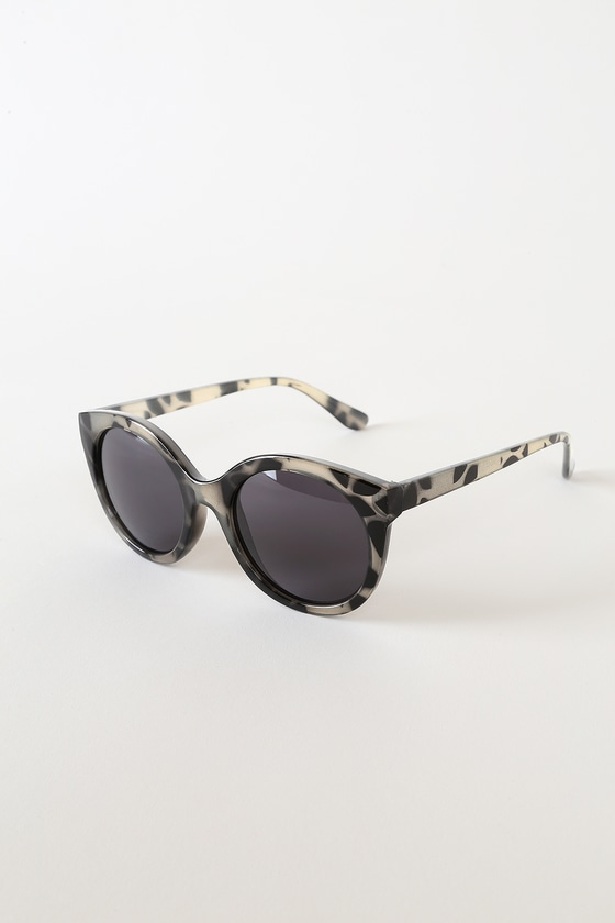 Break Time Ivory Tortoise Round Sunglasses