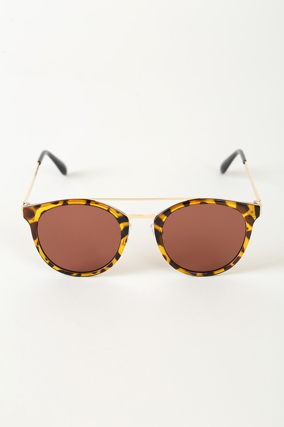 Sun's Out Brown Tortoise Round Sunglasses