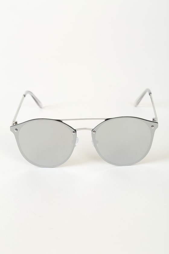 Magical Reflections Silver Mirrored Round Sunglasses