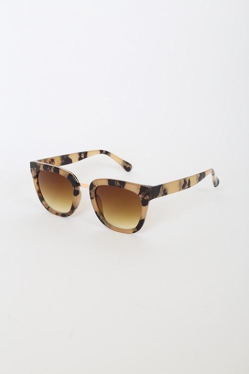 See it All Beige Tortoise Oversized Sunglasses