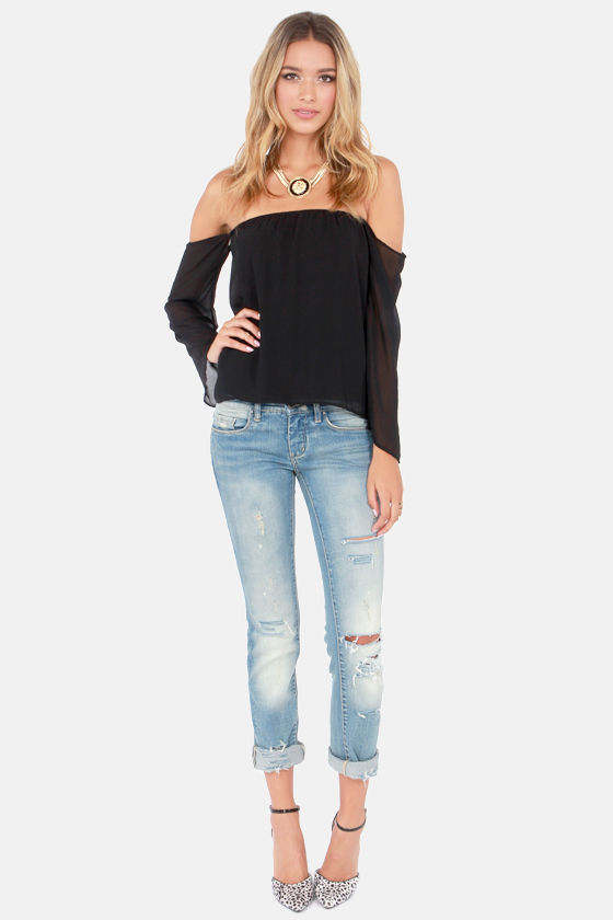LULUS Exclusive Landslide Off-the-Shoulder Black Top at Lulus.com!
