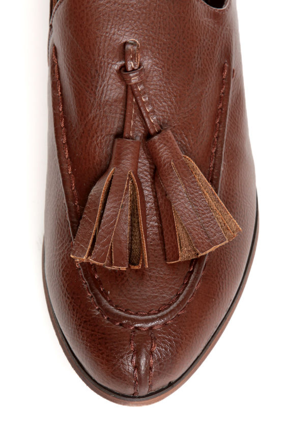 Oxy 4 Cognac Brown Slip-On Tassel Loafers at Lulus.com!