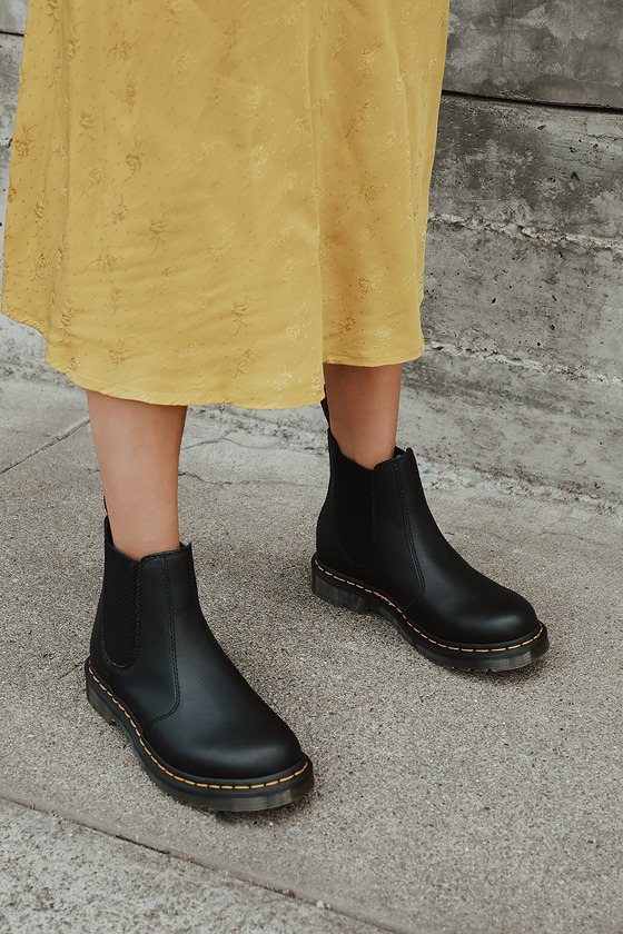 dr martens 2976 outfit