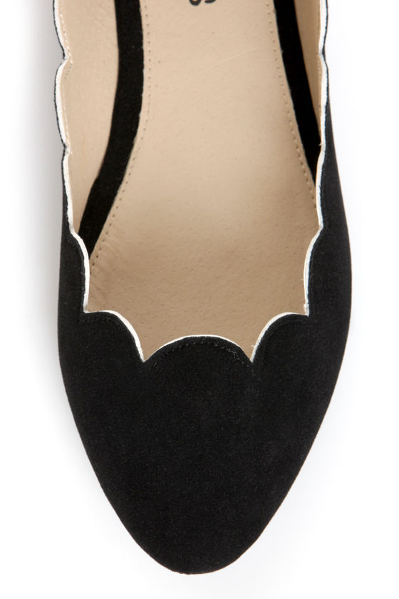 LuLu*s Scallopini Black Scalloped & Pointed Flats at Lulus.com!