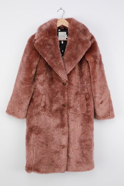 Avec Les Filles Stepping Out in Style Mauve Faux Fur Long Coat