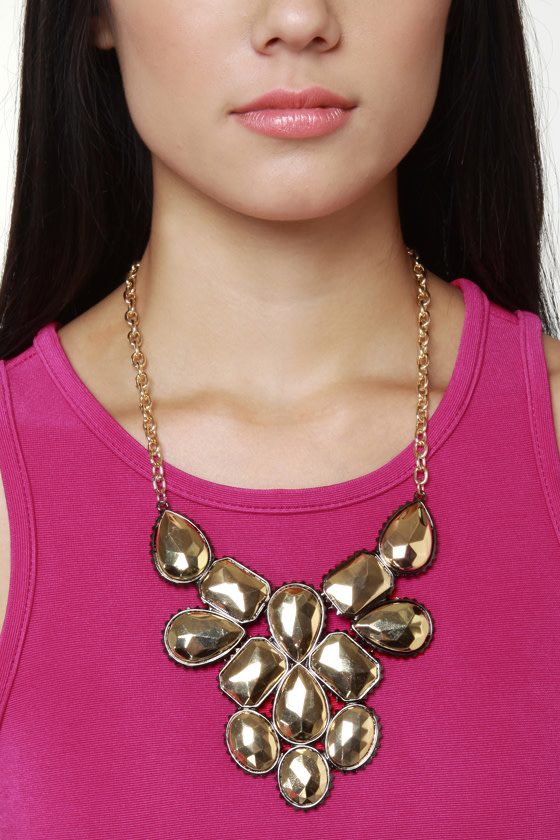 My Oh Midas Gold Statement Necklace at Lulus.com!