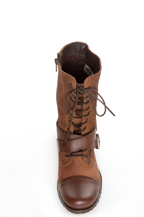 Naughty Monkey Stomper Tan Lace-Up Cap-Toe Combat Boots at Lulus.com!