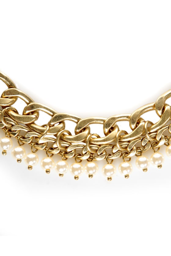 About a Pearl Gold Necklace