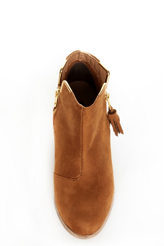 Dollhouse Mayday Chestnut Studded Ankle Boots at Lulus.com!