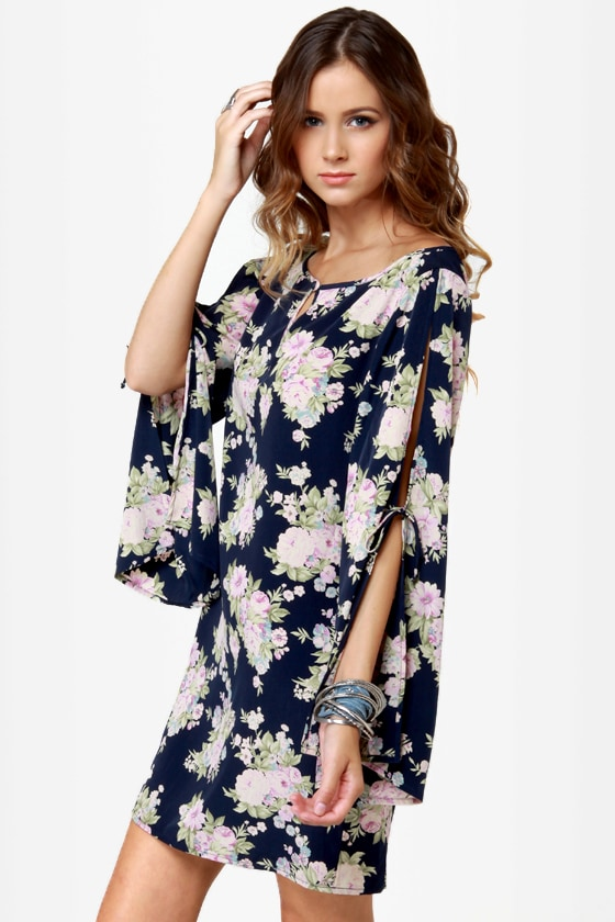 Hit the Floral Navy Blue Floral Print Dress at Lulus.com!